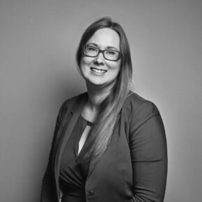 Since the beginning of the firm, Sara has been leading the administrative side of the business. She now oversees the administration team and ensures the smooth running of the office